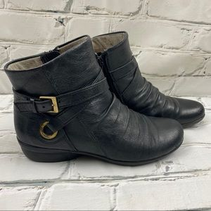 Naturlizer genuine leather, fleece lined boots